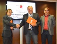 Firma para el desarrollo de la aplicación tecnológica para la implantación del billete único regional
