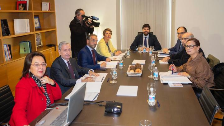 López Miras preside la reunión del Patronato de la Fundación Teatro Romano de Cartagena