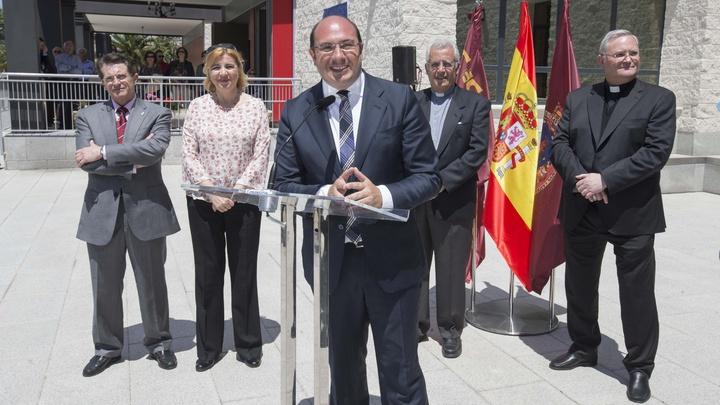 El presidente de la Comunidad visita las instalaciones de Asprodes